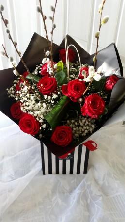 Glamorous - 12 Luxury Red Roses