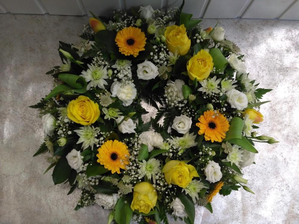 Wreath - Yellow & White