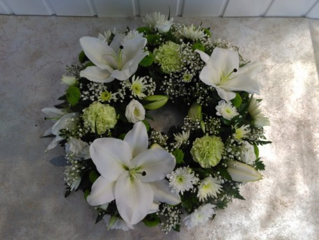 Wreath - White & Green